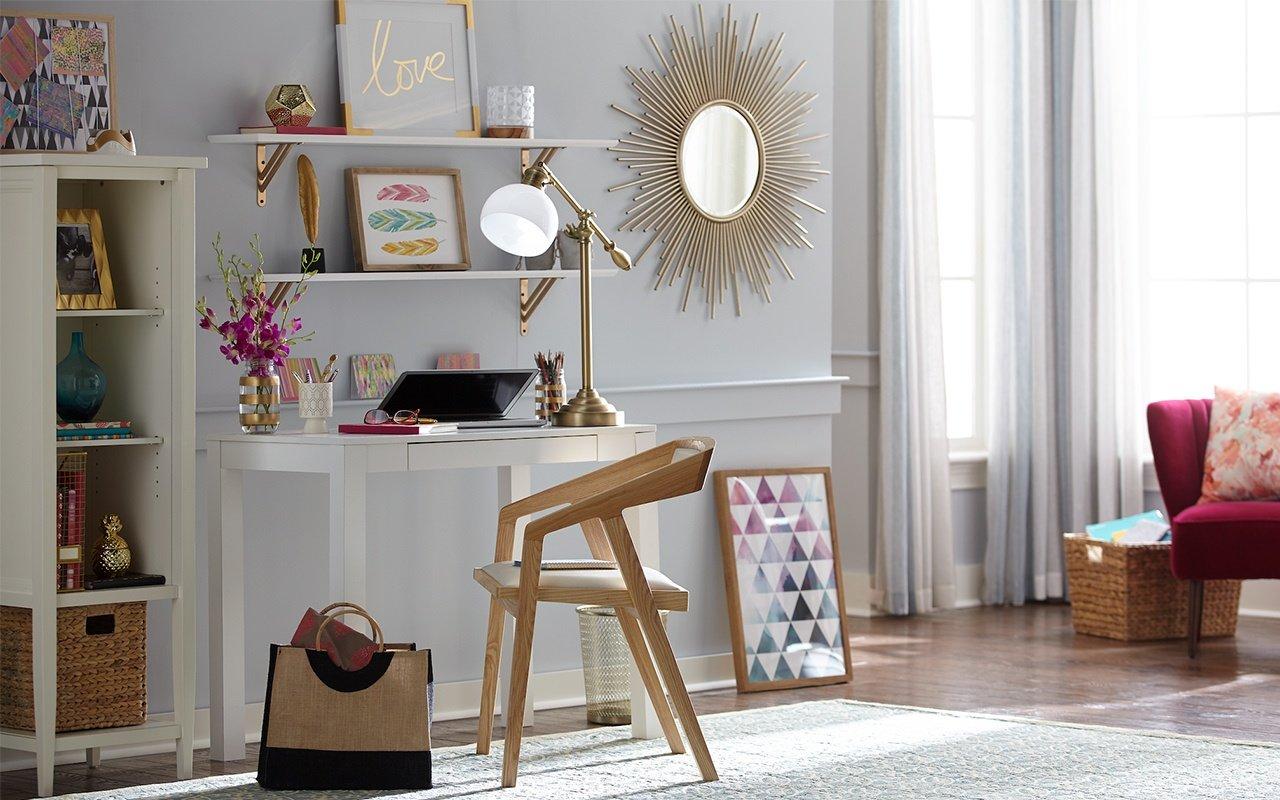 modern-bright-home-office-scene