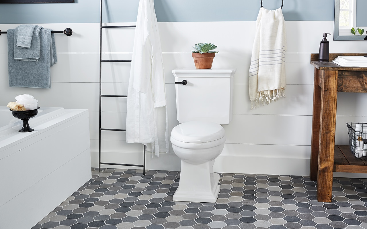modern-bathroom-toilet-and-tub